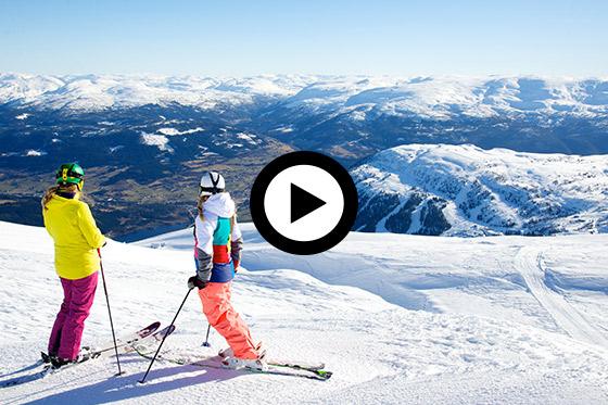 Skiën in Fjord Noorwegen